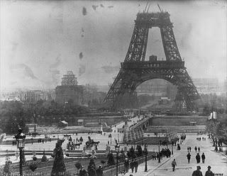 Pembangunan Menara Eiffel Prancis...